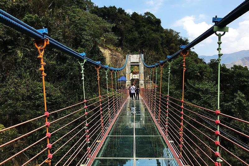 【穿越琉璃吊橋,走進望鄉開門見玉山】~原鄉之旅