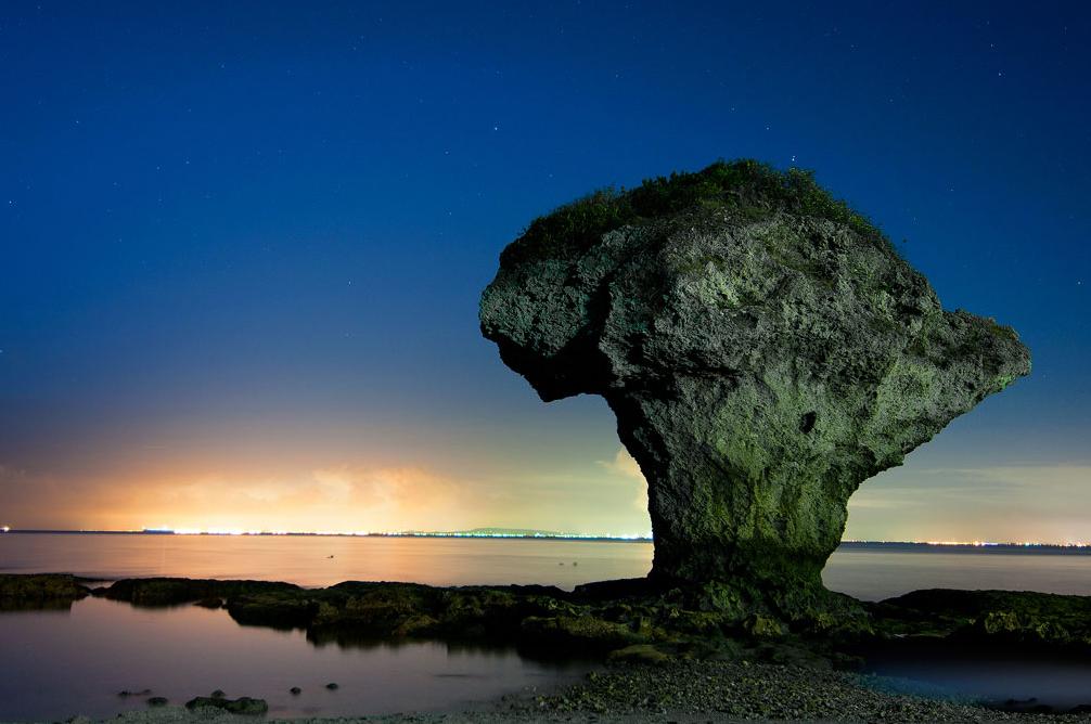 花瓶岩美景