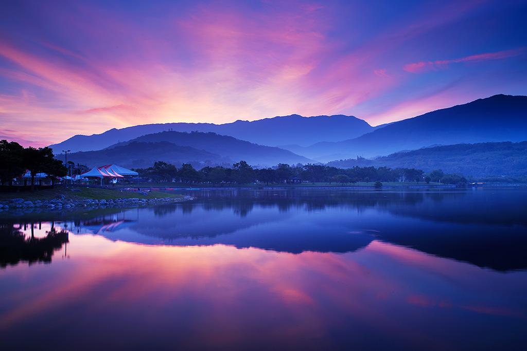 大坡池晨彩