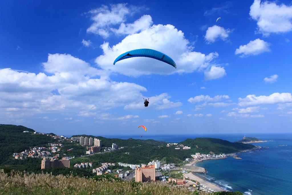 翡翠灣飛行傘--野柳岬角