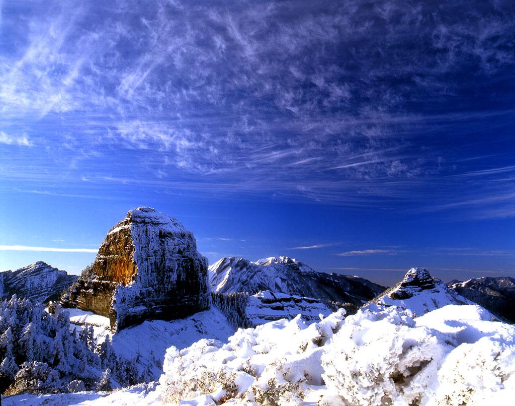 大小霸尖山雪景