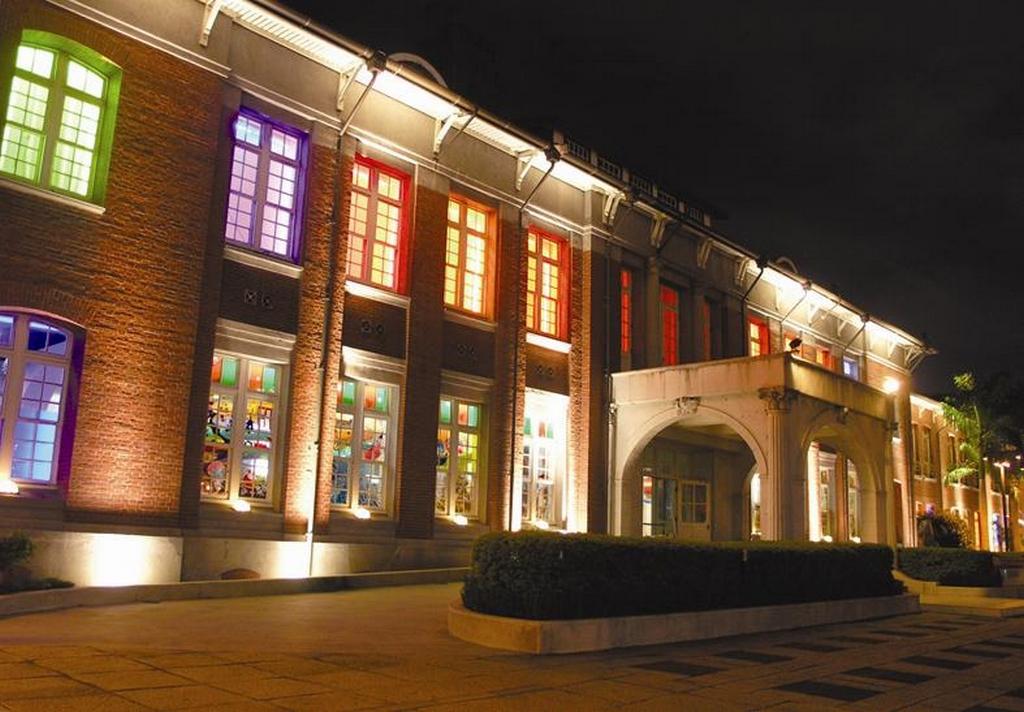 台北當代藝術館夜景