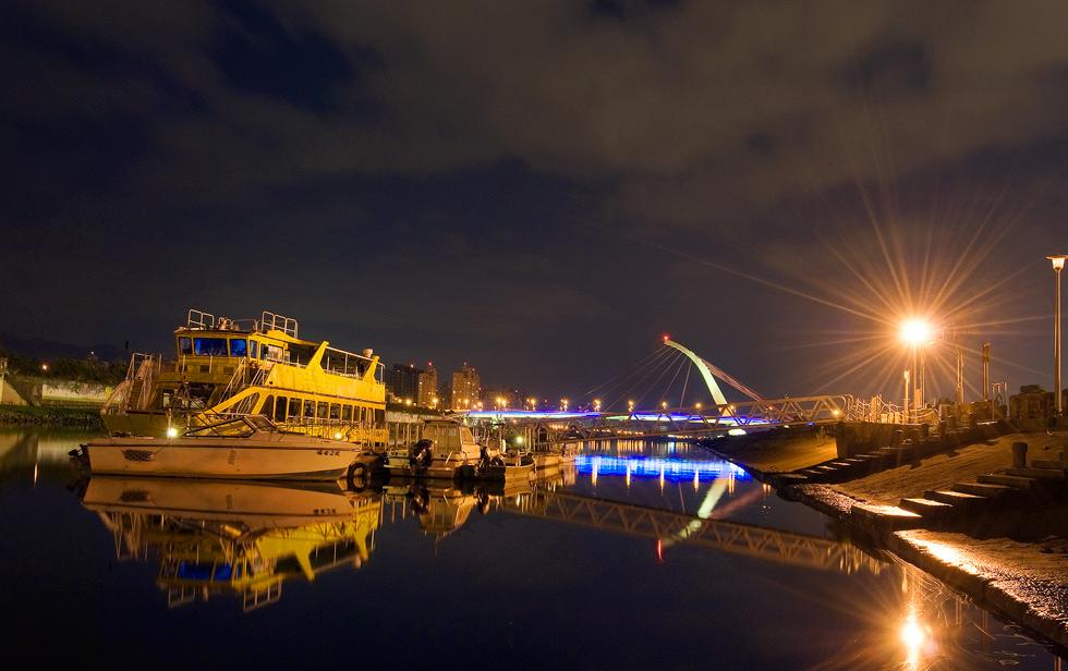 大佳河濱公園夜景