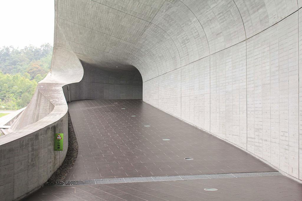 向山遊客中心迴廊