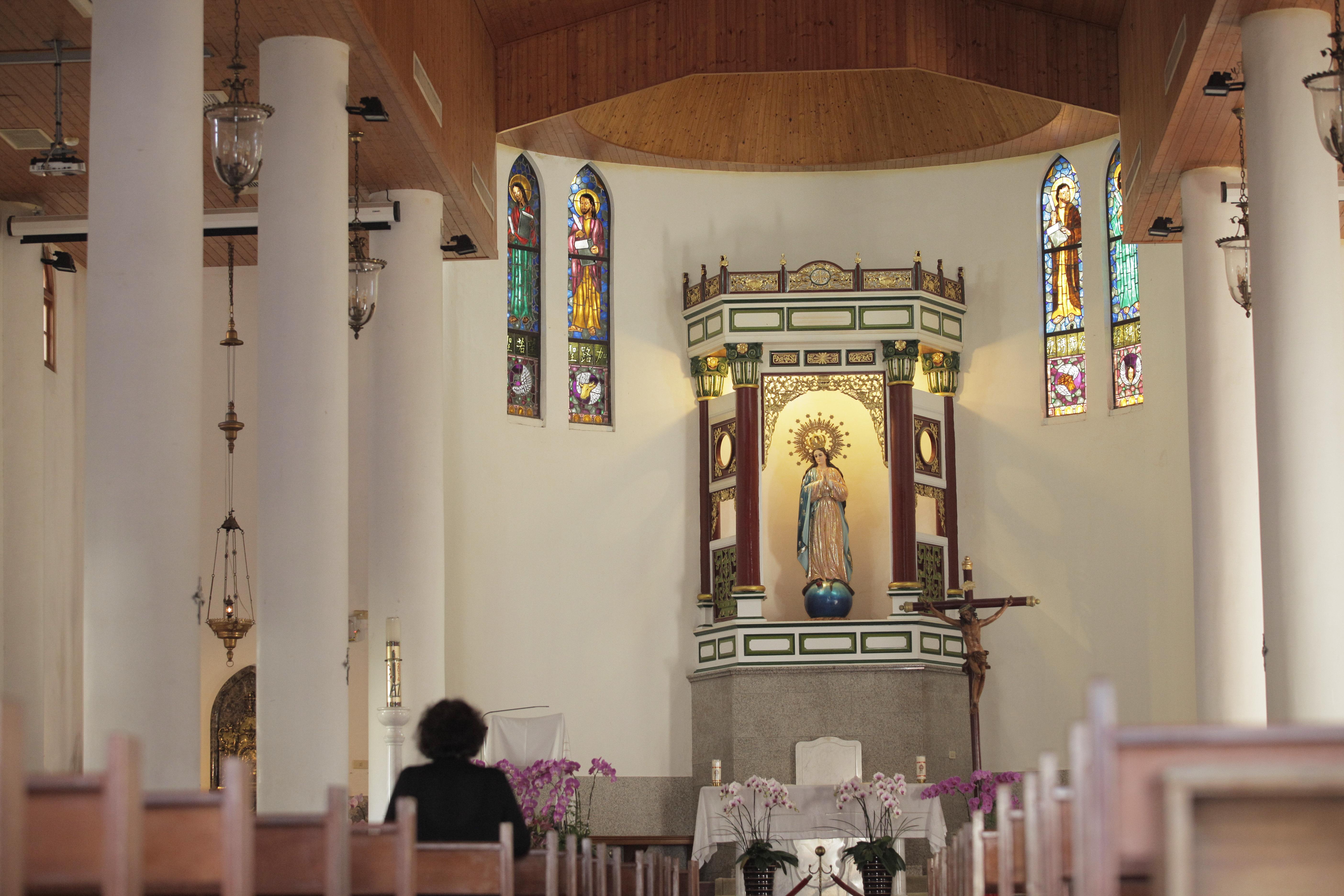 萬金聖母聖殿內部