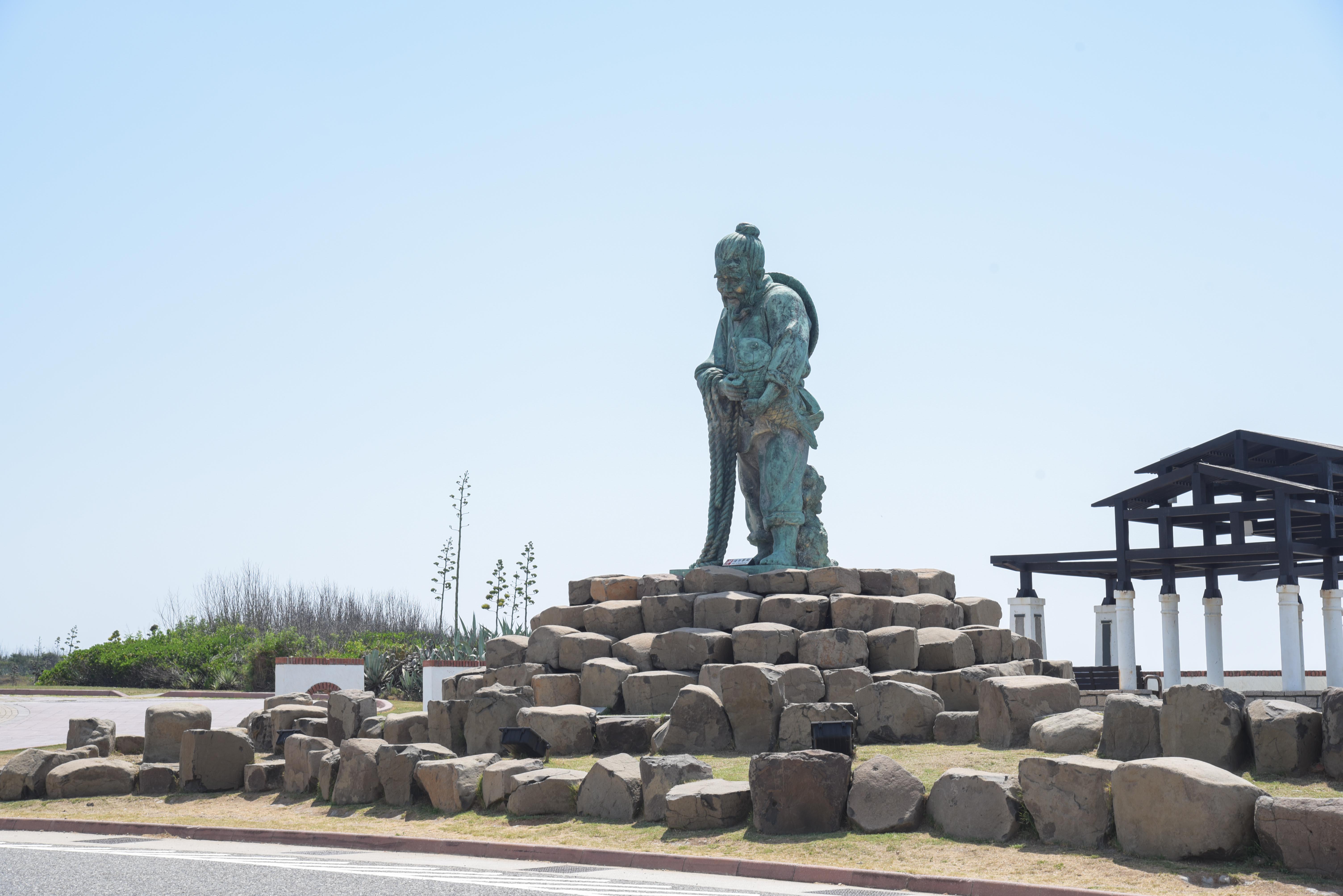 跨海大橋漁翁雕像