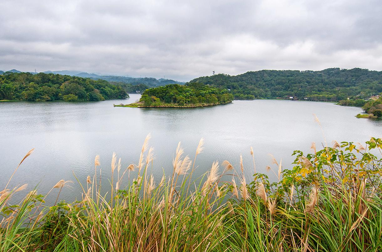 Emei Lake
