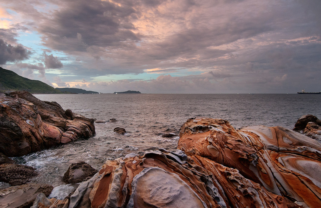 造型奇特的美麗礁岩
