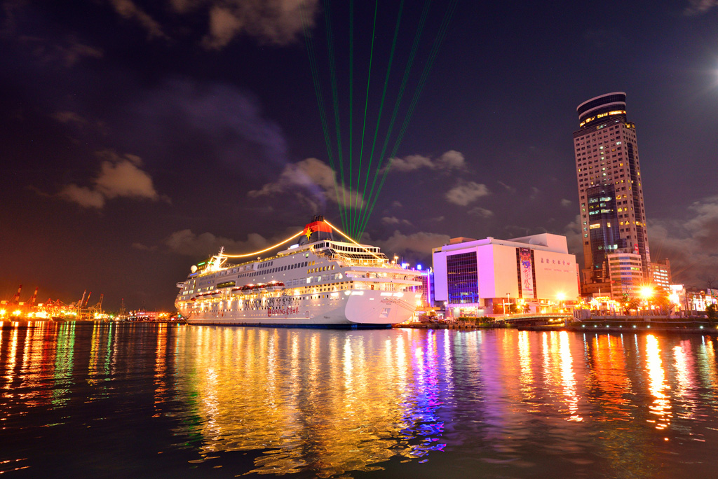 The night view of the cruise in Keelung Harbor