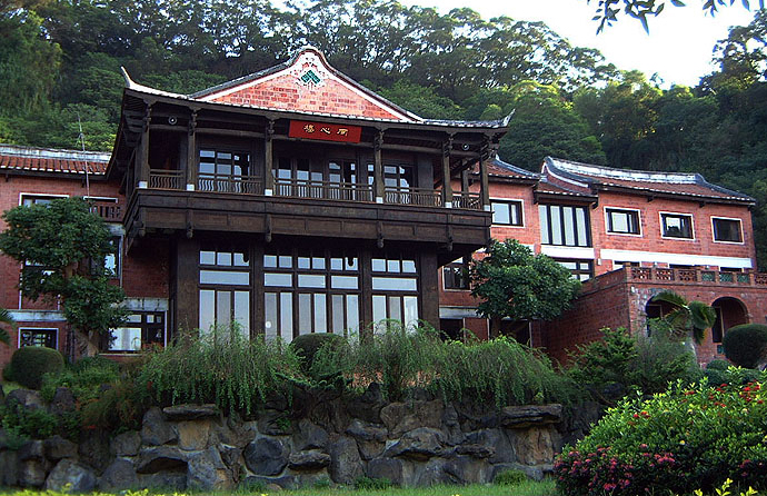 Southern Chinese-style gardens and Fukienese architecture of Nanyuan