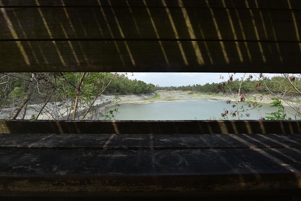 半屏湖溼地的賞鳥台(內政部營建署壽山國家自然公園籌備處提供)