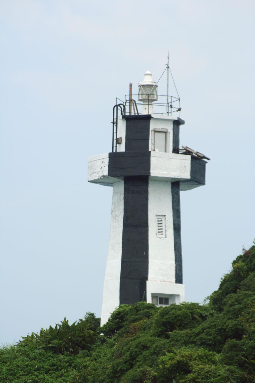 遠眺基隆島燈塔