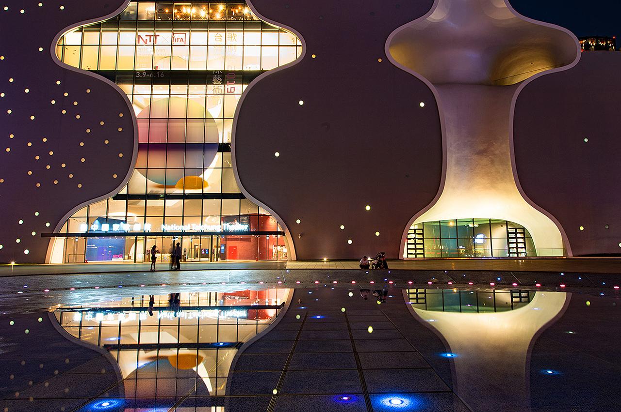 臺中國家歌劇院夜景