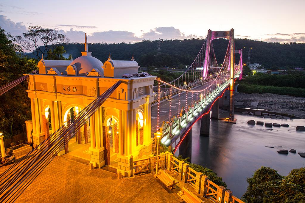 大溪橋點燈