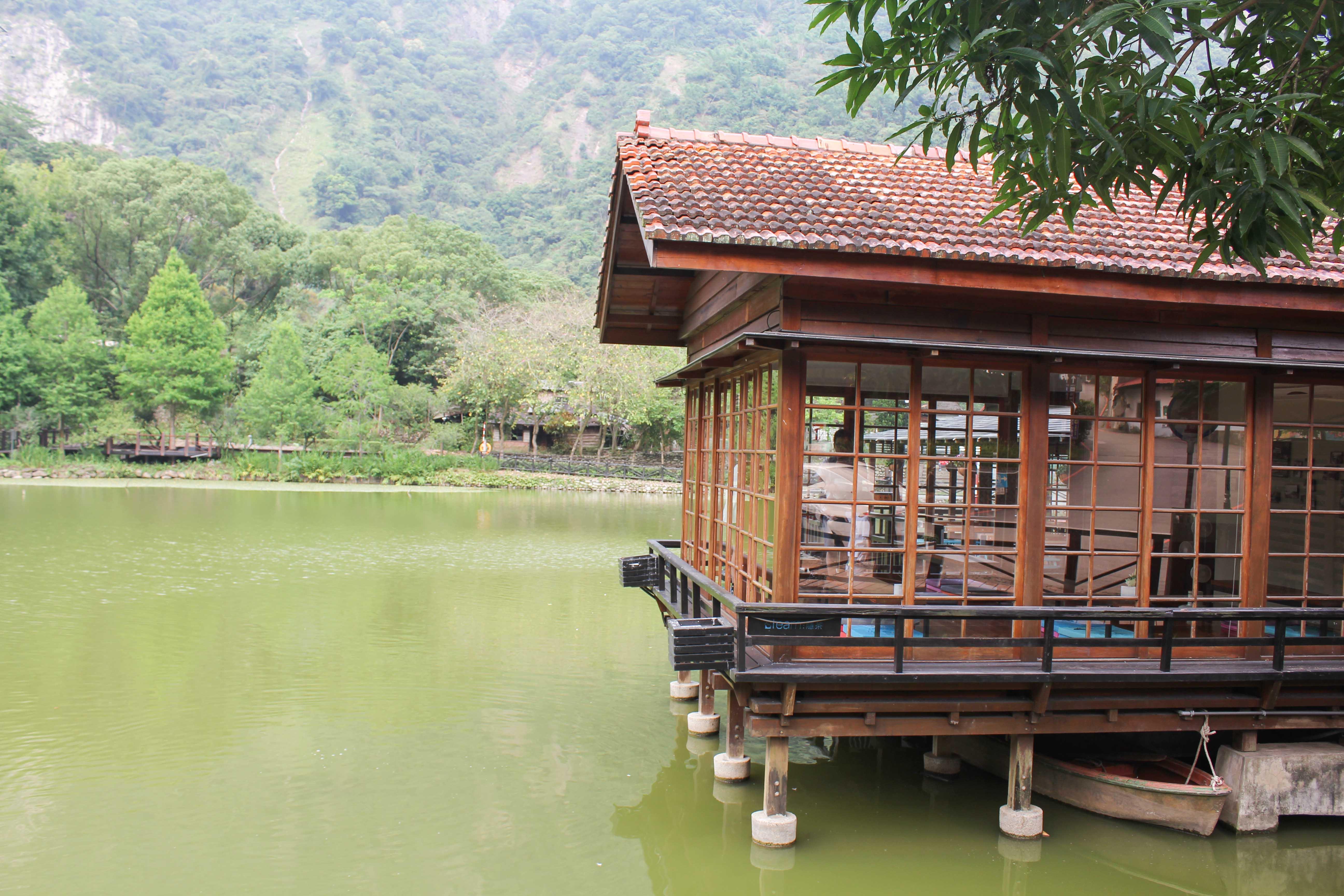 貯木池小木屋