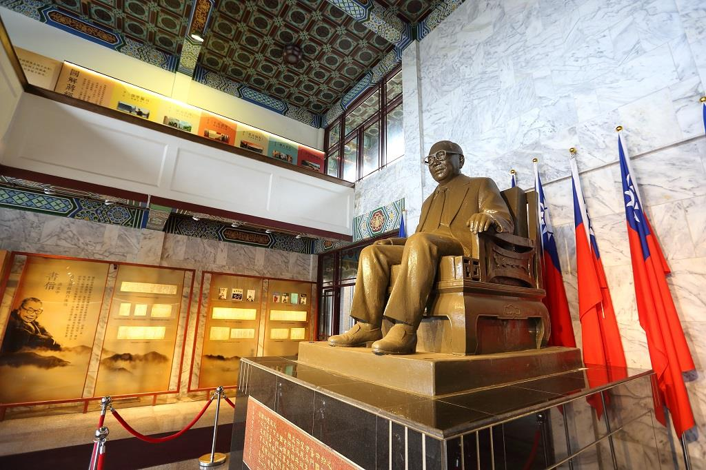 經國先生銅像