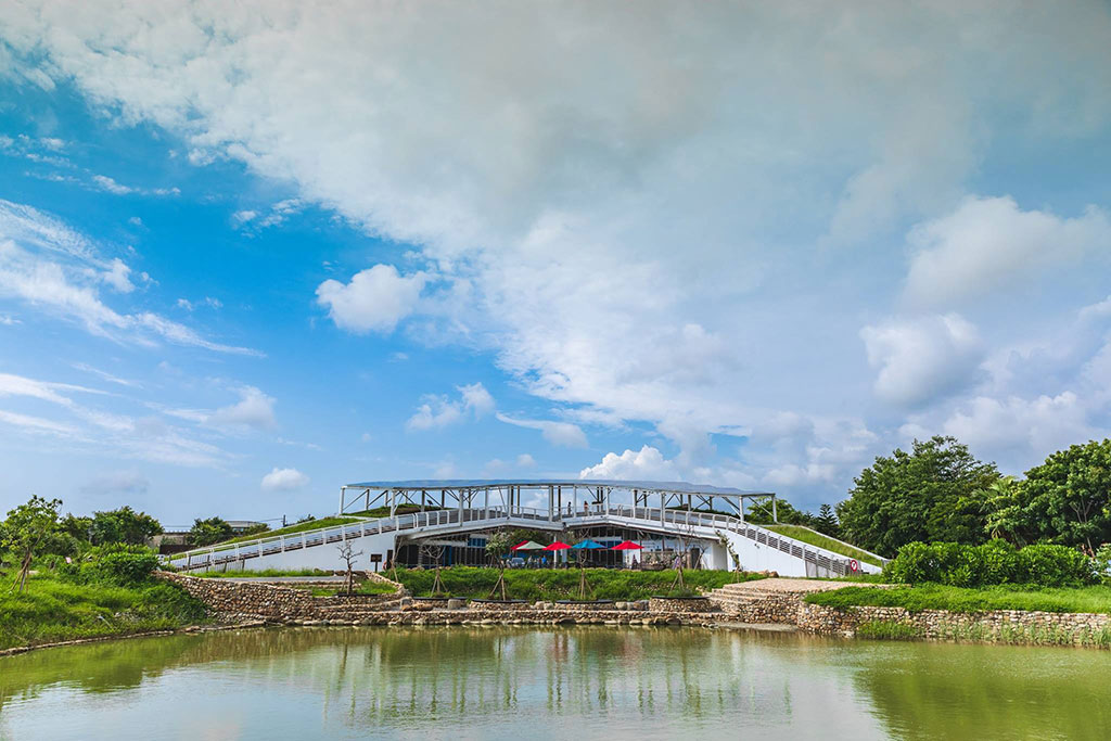 遠觀口湖遊客中心