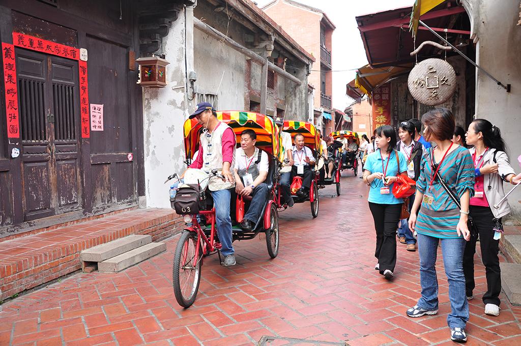 鹿港老街與三輪車