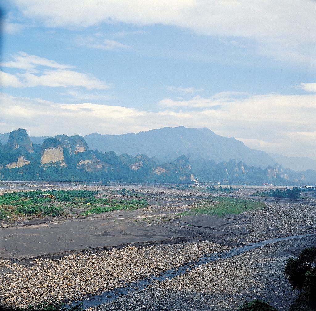 Shiba Luohan Mountain (Luohanshan)