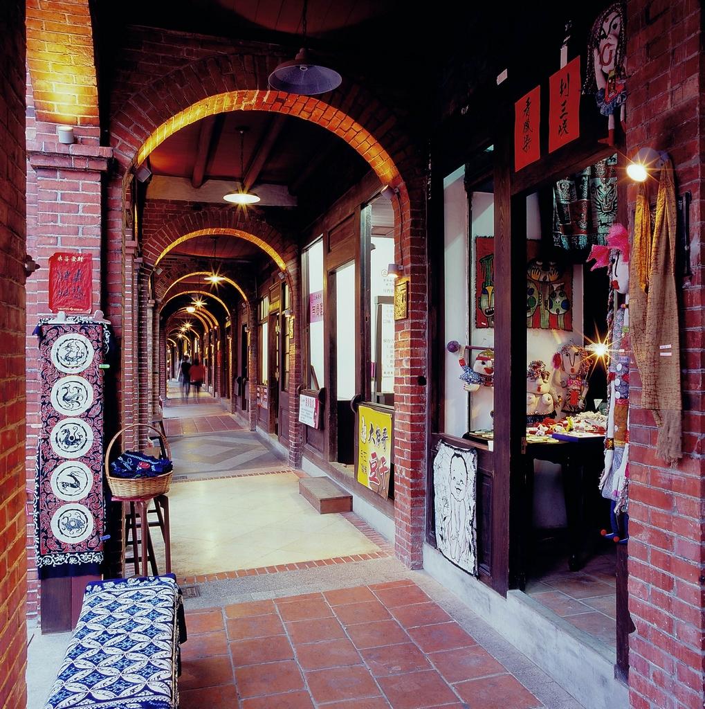 紅磚拱廊建築