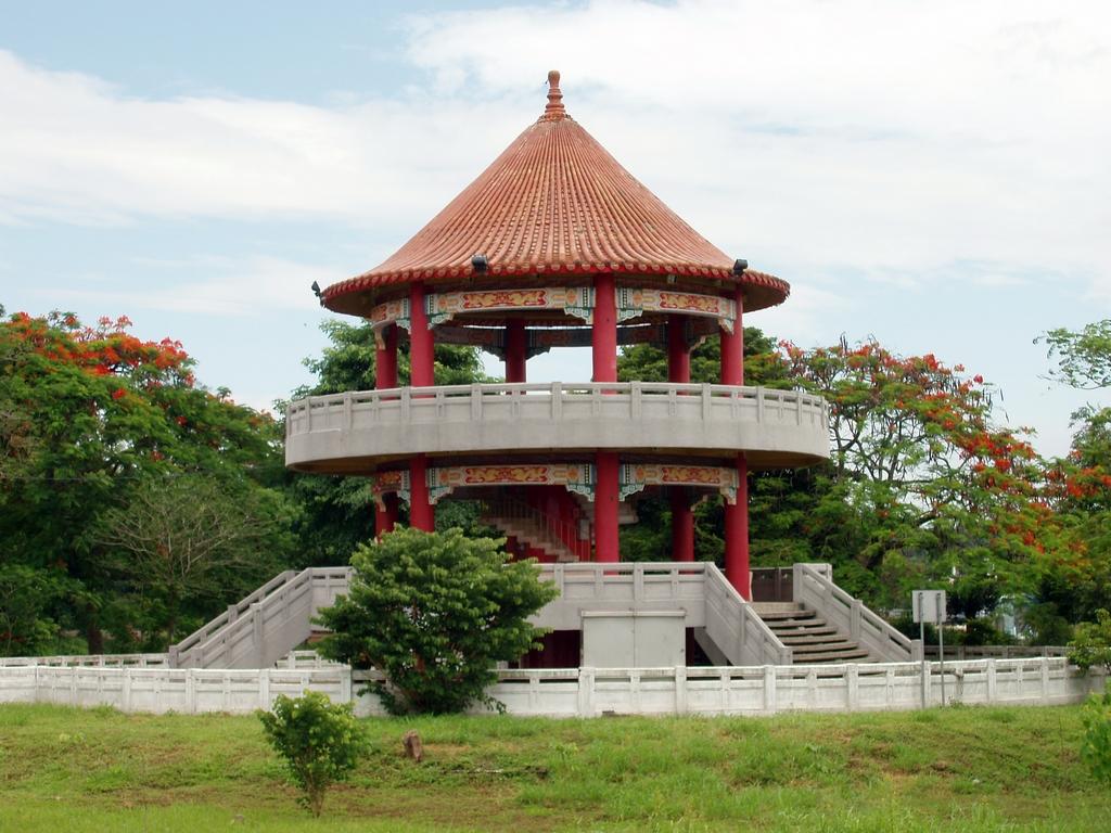 蘭潭風景區