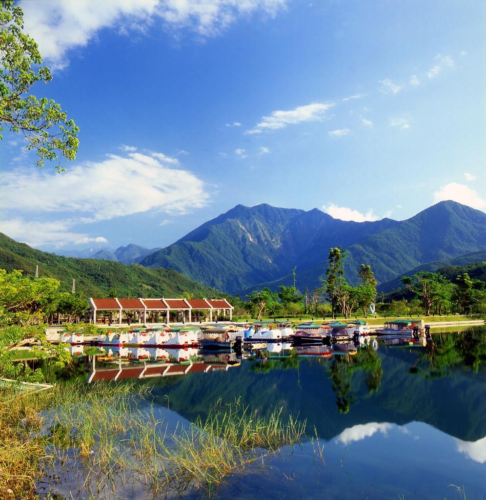 Liyu (Carp) Lake