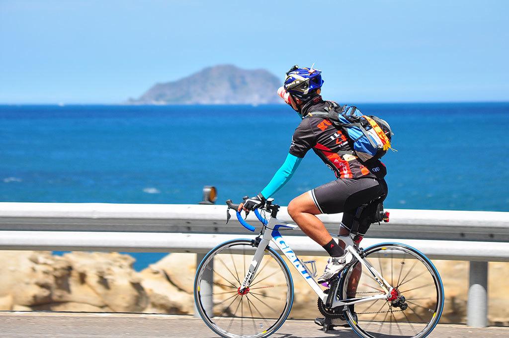 2017環大台北自行車挑戰_濱海公路遠眺龜山島