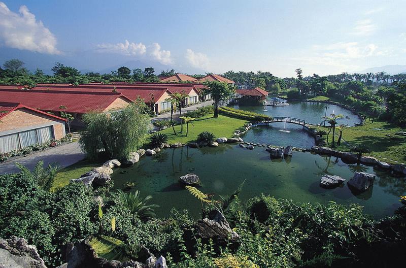 怡園景觀池全景