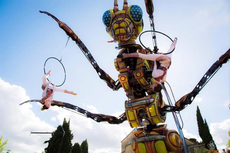 「森林機械巨蟲秀」白天展演示意照片