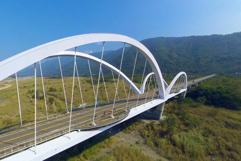 新威景觀大橋