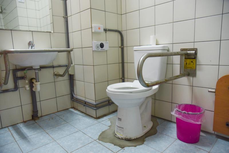 室內無障礙廁所內部