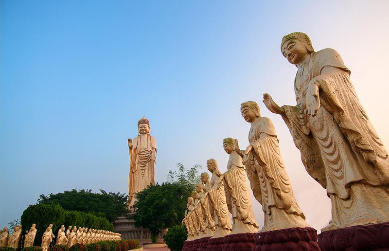 La Montaña Luz de Buda