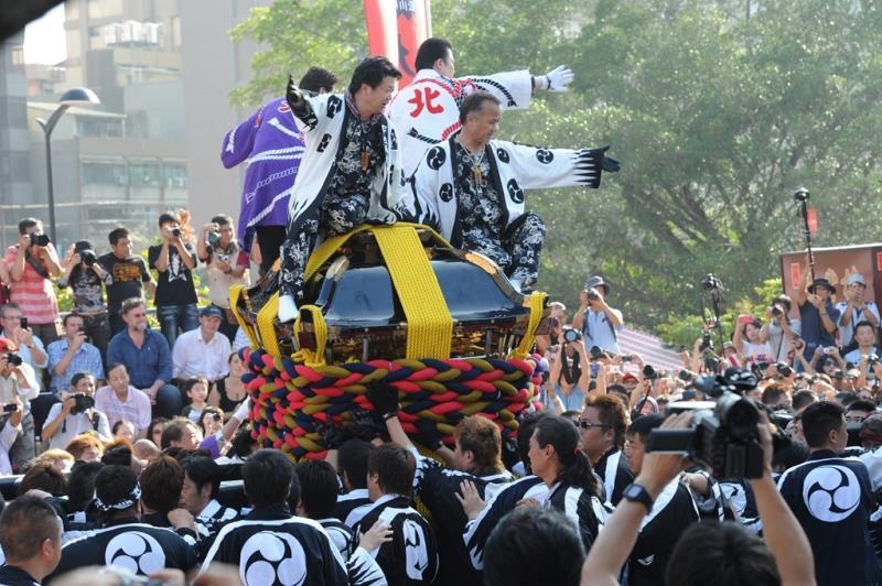 日本松山市撞轎祭典活動  年度:2011  作者:劉佳雯