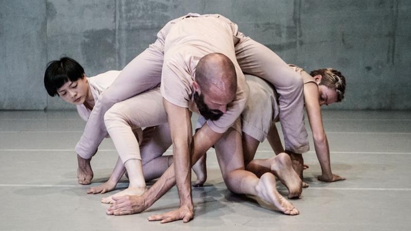 舞蹈空間 X 伊凡.沛瑞茲《BECOMING》  年度:2018  作者:Alwin Poiana