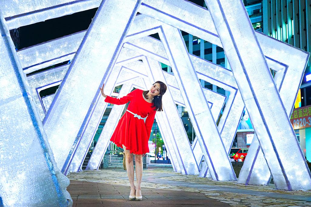 跨年前期活動「TaipeiXmas」,處處都是打卡點,怎麼拍都好看。  年度:2019  來源:臺北市政府觀光傳播局