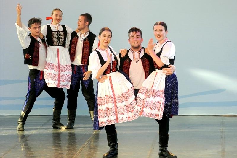 斯洛伐克「特倫查民俗舞團」  年度:2016