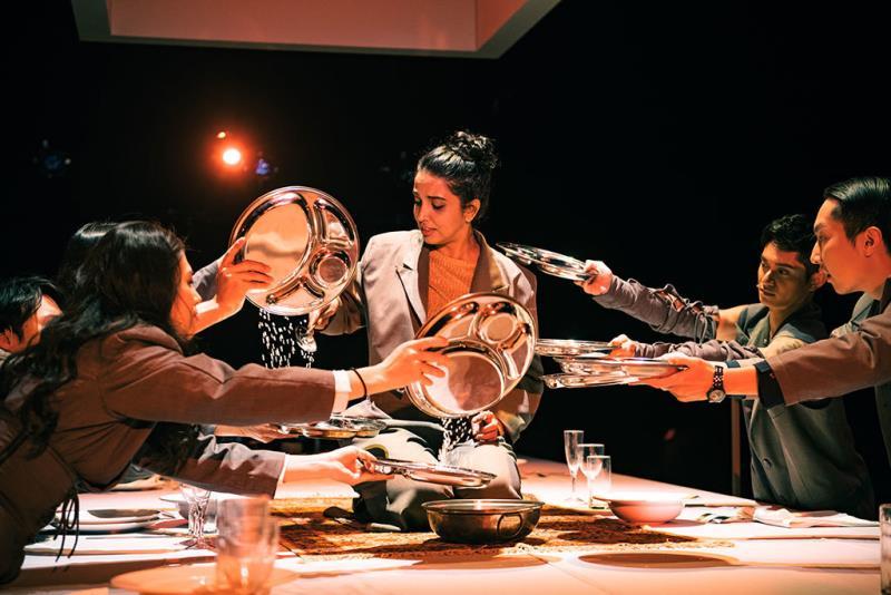 Baboo × Shakespeare's Wild Sisters Group《Mythology Upon the Table》  Período annual:2019  Fotografías:CHEN,YI-TANG  Origen de las fotografías:National Performing Arts Center