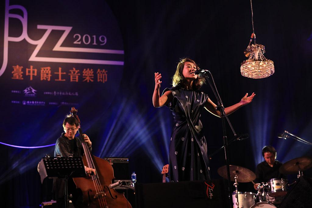 曾參與中國好聲音的爵士女歌手詹小櫟  年度:2019  來源:臺中市政府