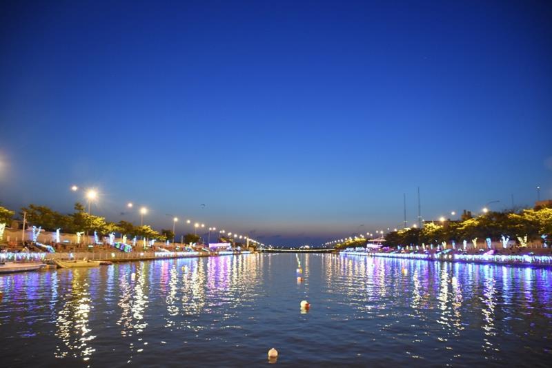 國際龍舟錦標賽夜間燈光點燈儀式-福鹿溪兩岸  年度:2017  來源:彰化縣政府