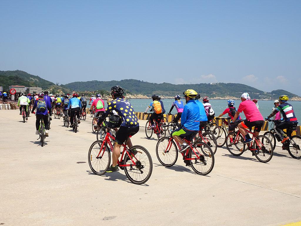 馬祖之壁自行車挑戰遊-自行車友在馬祖南竿福清自行車道騎乘身影  年度:2019  來源:馬祖國家風景區管理處