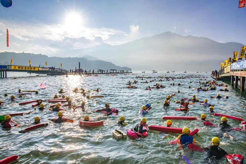 Travesía a nado del lago del Sol y la Luna  Período annual:2019  Origen de las fotografías:Gobierno del Distrito de Nantou