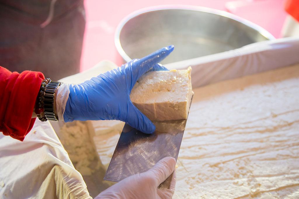 百年好秀-豆腐製作  年度:2019  來源:桃園市政府觀光旅遊局