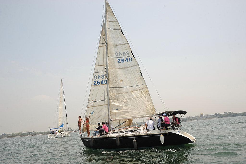 為自己增添豐富人生,就來大鵬灣!在大鵬灣搭乘重型帆船體驗一日海賊王,是人生最奢侈的享受,而且絕對不是難事。  年度:2019  來源:大鵬灣國家風景區管理處