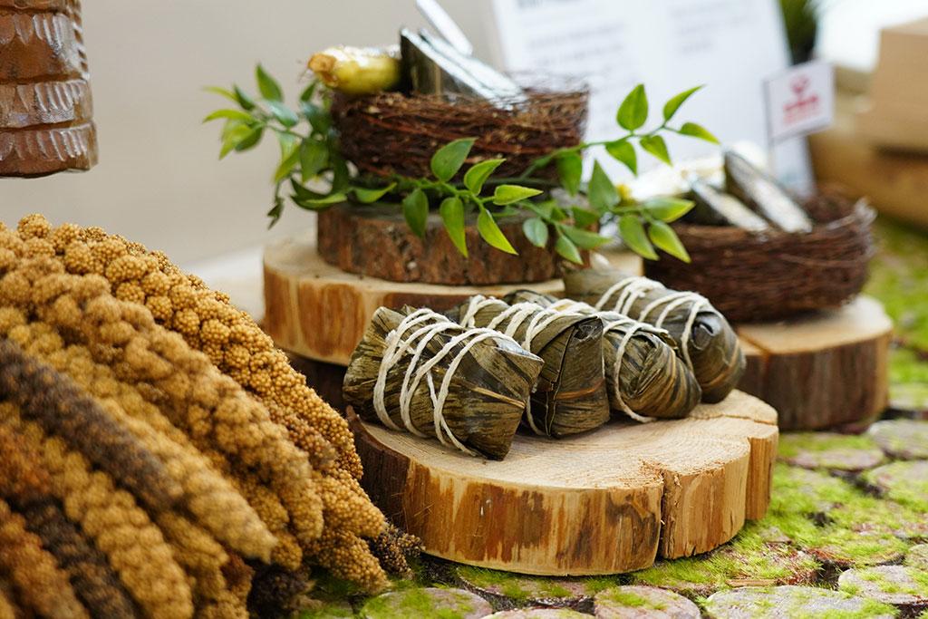 原住民美食館以小米製的阿粨  年度:2019  來源:財團法人台灣觀光協會