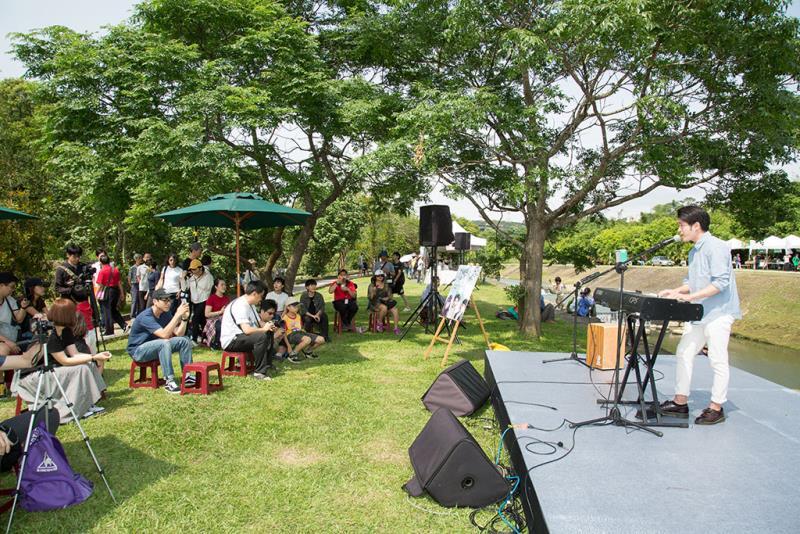 Unplugged Music Concert in Hsinchu Farmers Market