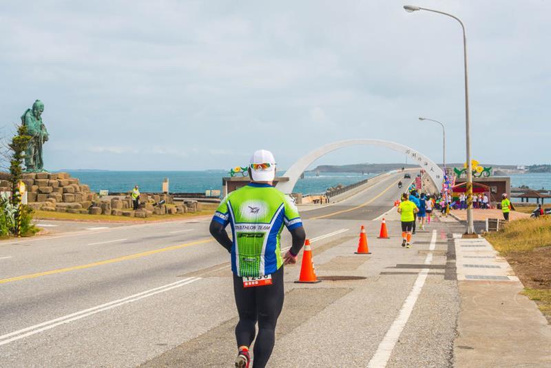 澎湖跨海大橋跨島而跑  年度:2018  來源:澎湖國家風景區管理處
