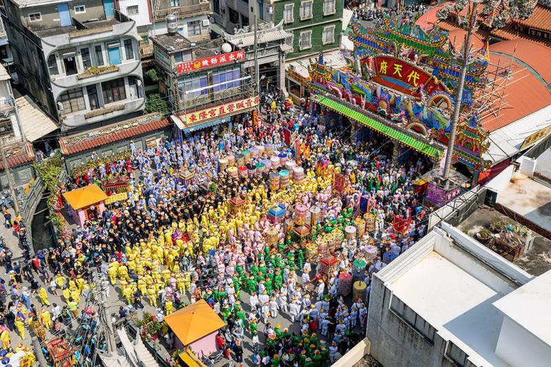 東港迎王平安祭典七角頭集合  年度:2018  作者:洪雪芳  來源:東隆宮