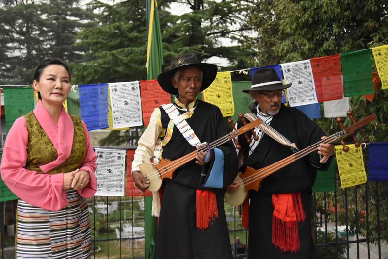 藏音天鼓音樂會-藏族知名歌手葛莎雀吉及樂手演出  年度:2018  來源:文化部