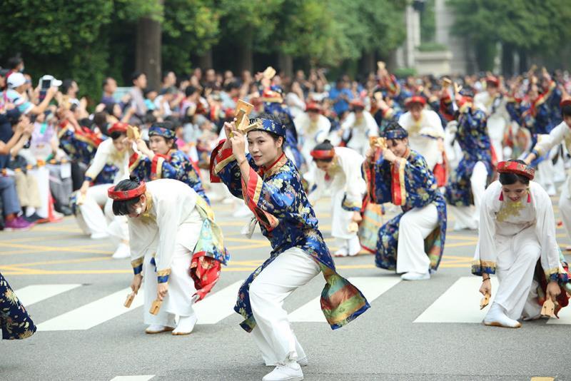 今年首次參加臺中踩舞祭的越南隊伍,活動表演陣容更顯國際化  年度:2018  來源:臺中市政府提供