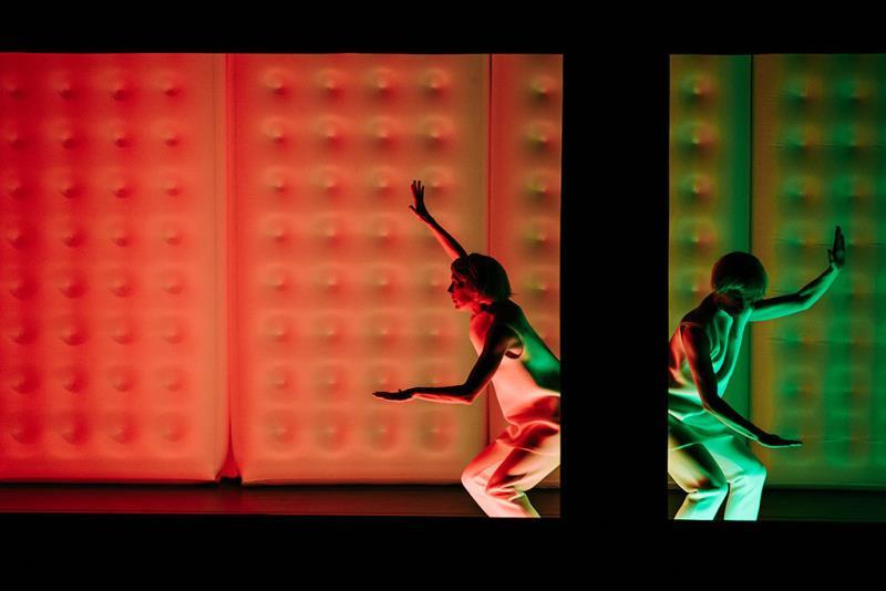 Vincent Dupont《Stéréoscopia》  Período annual:2018  Fotografías:La-Feng  Origen de las fotografías:National Performing Arts Center